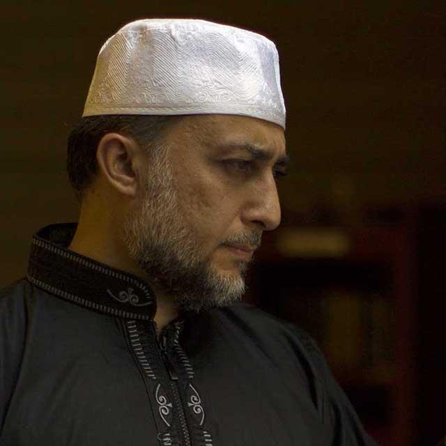 A portrait of Samara in the mosque.